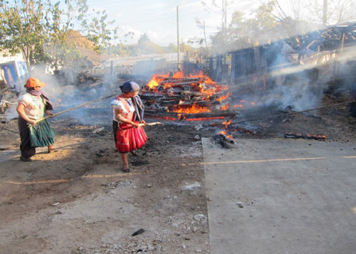 Women firing pottery in Amatenango del Valle, Chiapas - Ceramic Water Filter Solutions