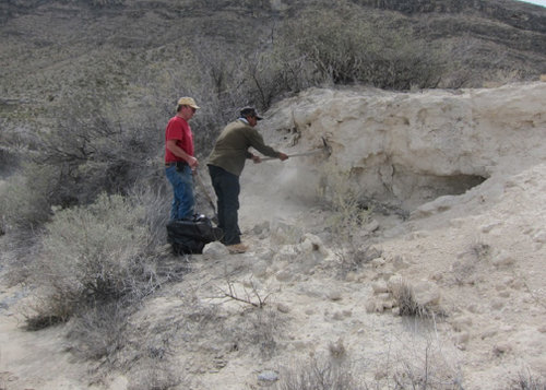 Digging clay in the desert of Coahuila - Ceramic Water Filter Solutions